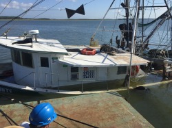 sinking shrimp boat pic 092618